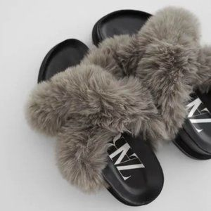 NWT Zara Gray Faux Fur Low Heel Platform Sandals
